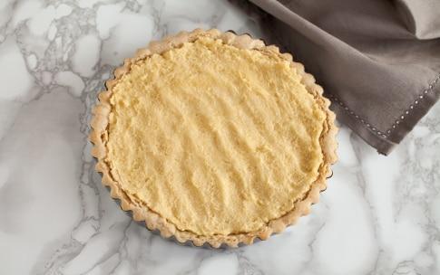 Preparazione Crostata con pere, mirtilli rossi e crema alle mandorle  - Fase 5