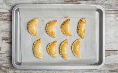 Preparazione Empanadas al forno con zucca e bietole - Fase 4