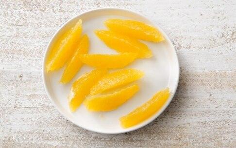 Preparazione Friselle con alici, arancia e miele di acacia - Fase 2