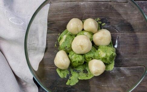 Preparazione Gnocchi di patate e formaggio al pesto leggero - Fase 5
