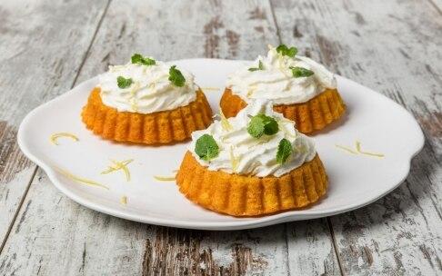 Preparazione Mini torte di carote e zenzero con panna - Fase 4