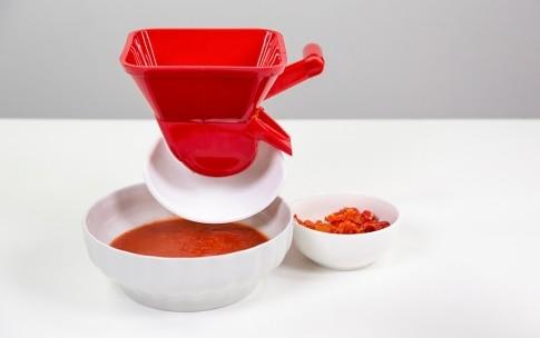 Preparazione Passata di pomodoro fatta in casa - Fase 2