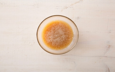Preparazione Polpette con panatura di corn flakes e salsa al miele di castagno e birra - Fase 3