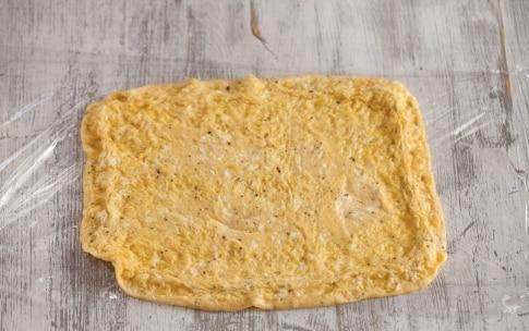 Preparazione Rotolo di frittata con fagiolini e culatello  - Fase 3
