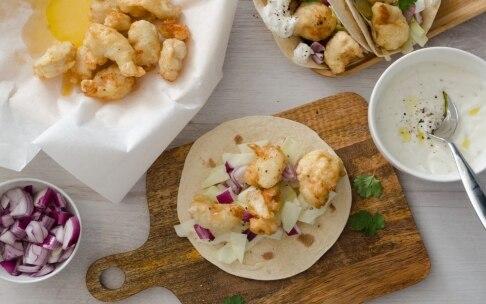 Preparazione Tacos al pollo fritto e salsa allo yogurt - Fase 4