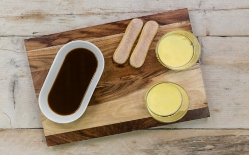 Preparazione Tiramisù in bicchiere con ganache al cioccolato - Fase 5