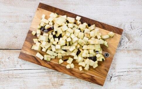 Preparazione Torta di patate con melanzane e formaggio - Fase 1