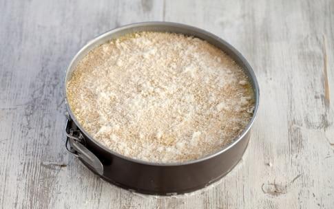 Preparazione Torta di patate con prosciutto, formaggio e salame - Fase 4