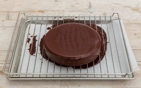 Preparazione Torta glassata di amaretti e caffè - Fase 5