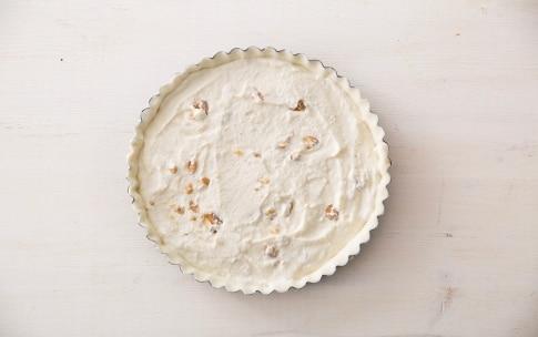 Preparazione Torta salata con radicchio al miele di bosco - Fase 2