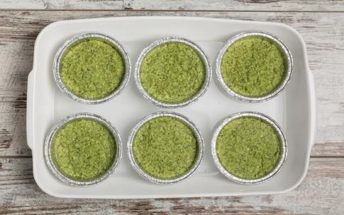 Preparazione Flan di broccoli e porri croccanti con salmone affumicato - Fase 2