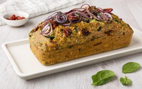 Preparazione Plumcake salato agli spinaci con feta e pomodori secchi - Fase 4