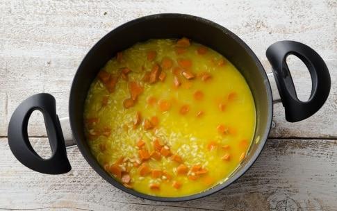 Preparazione Risotto alla curcuma con carciofi fritti - Fase 2