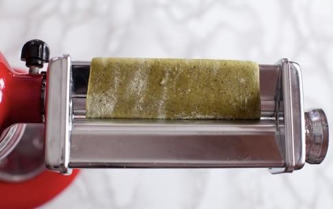 Preparazione Tagliatelle alla canapa con funghi, castagne e nocciole  - Fase 2