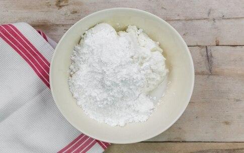 Preparazione Zuccotto natalizio con ricotta e savoiardi - Fase 1