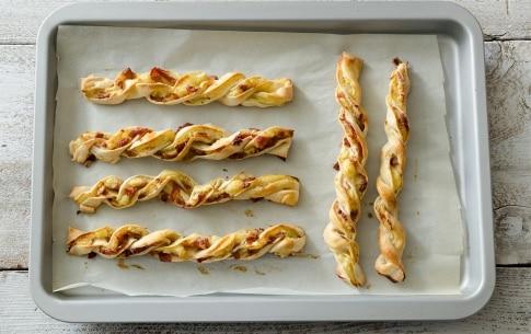 Preparazione Frustine con patate, speck e prosciutto crudo - Fase 4