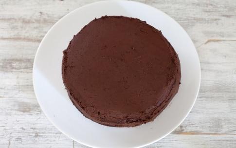 Preparazione Torta al cioccolato e frutti di bosco - Fase 5