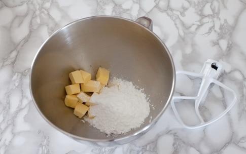 Preparazione Torta al cioccolato e more - Fase 1