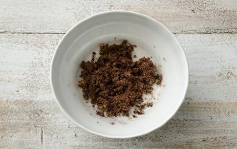 Preparazione Biscotti di pasta frolla con crema di nocciole e pistacchi - Fase 3