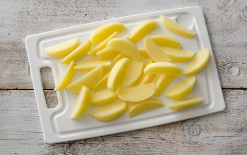 Preparazione Patate croccanti in padella - Fase 1