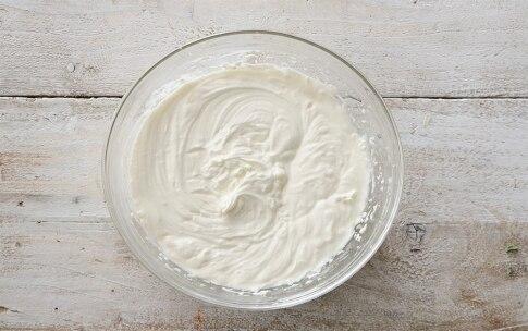 Preparazione Torta al cioccolato con crema al mascarpone e frutti di bosco  - Fase 3