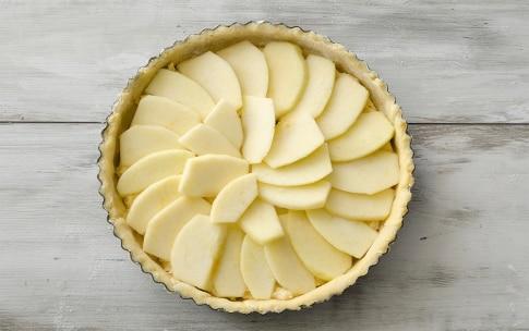 Preparazione Torta alle mele e frangipane - Fase 5