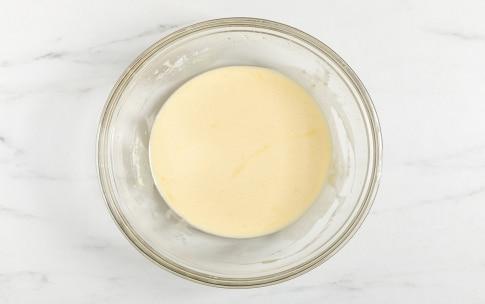 Preparazione Torta invisibile di mele - Fase 2