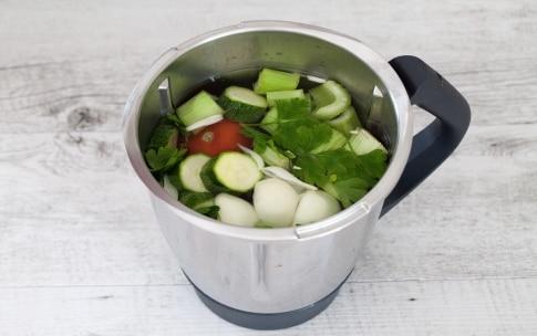 Preparazione Brodo vegetale con il Bimby - Fase 1