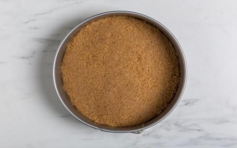 Preparazione Cheesecake alle fragole e lime - Fase 1