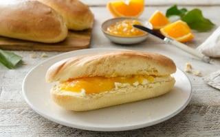 Mini baguette di pan brioche dolce