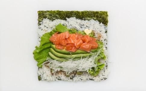 Preparazione Sushi burrito - Fase 3
