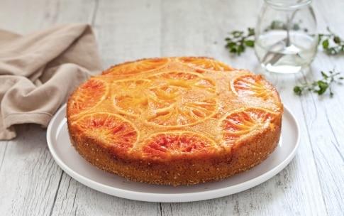 Preparazione Torta rovesciata alle arance e fiori d'arancio  - Fase 4