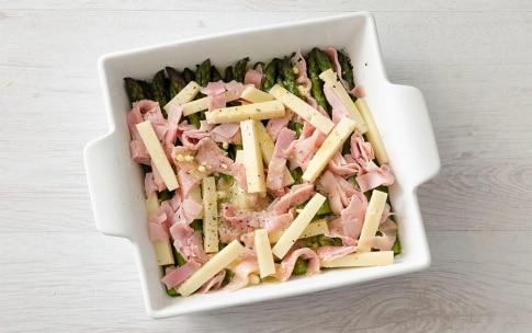 Preparazione Asparagi al forno con prosciutto e fontina - Fase 2