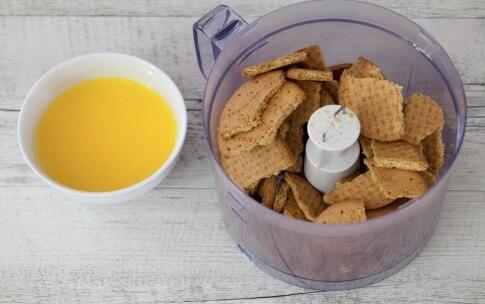 Preparazione Cheesecake al caramello salato  - Fase 1