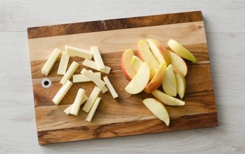 Preparazione Involtini di pasta fillo con mele, pancetta e formaggio  - Fase 1