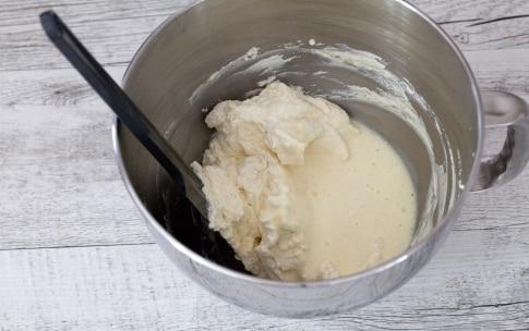 Preparazione Mini cheesecake marmorizzate alle fragole - Fase 3