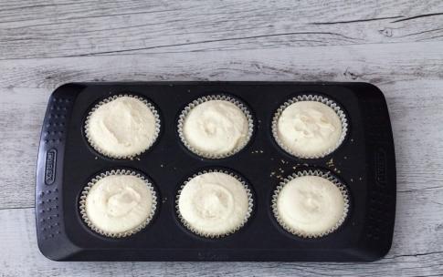 Preparazione Mini cheesecake marmorizzate alle fragole - Fase 4