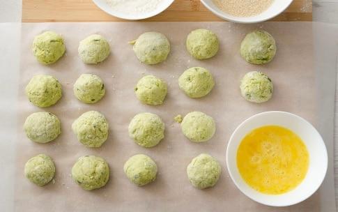 Preparazione Polpette croccanti di asparagi - Fase 3