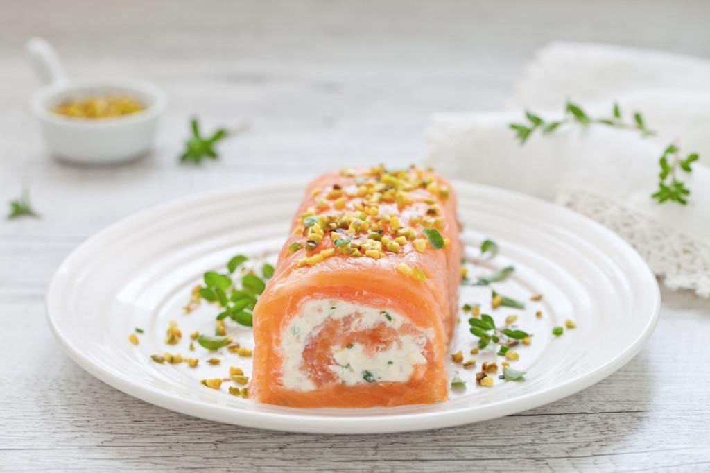 Rotolo di salmone e robiola