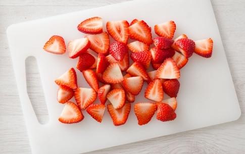Preparazione Torta soffice alle fragole - Fase 2