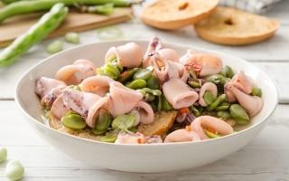 Zuppa di fave e calamaretti