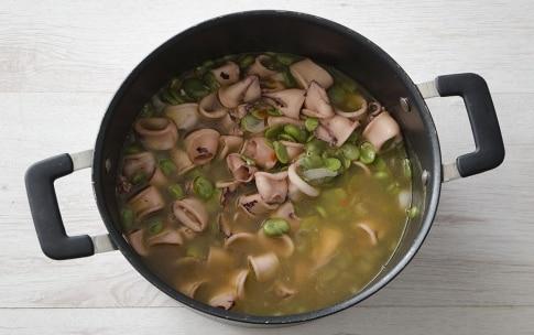 Preparazione Zuppa di fave e calamaretti - Fase 5