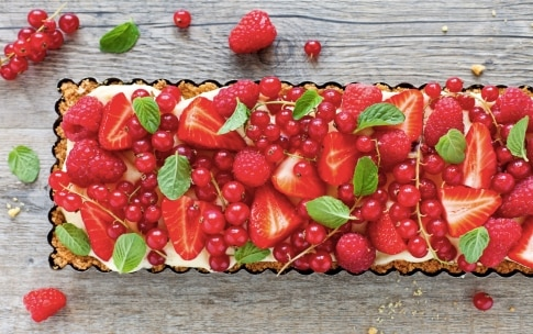 Preparazione Crostata con savoiardi e frutti rossi - Fase 3