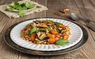 Insalata di farro con verdure speziate