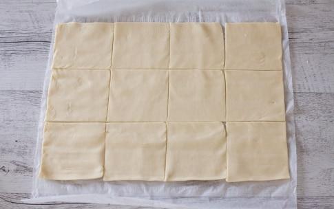 Preparazione Involtini di pasta sfoglia con asparagi, ricotta, pancetta e semi di nigella  - Fase 2