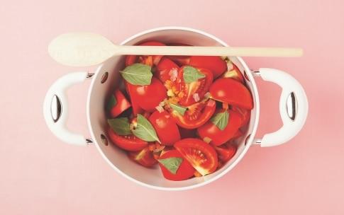 Preparazione Pastasciutta al pomodoro per bambini - Fase 1