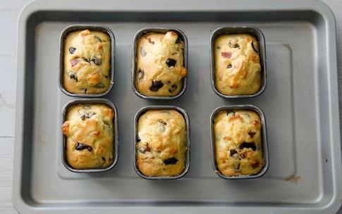 Preparazione Plumcake salati con prosciutto e olive - Fase 4