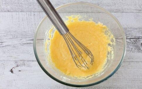 Preparazione Quiche alle zucchine, fiori di zucca e mozzarella  - Fase 2