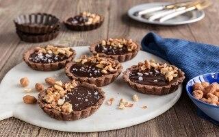 Tartellette al cioccolato e frutta secca