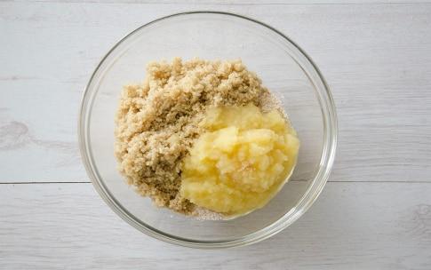 Preparazione Torta di mele e quinoa - Fase 3